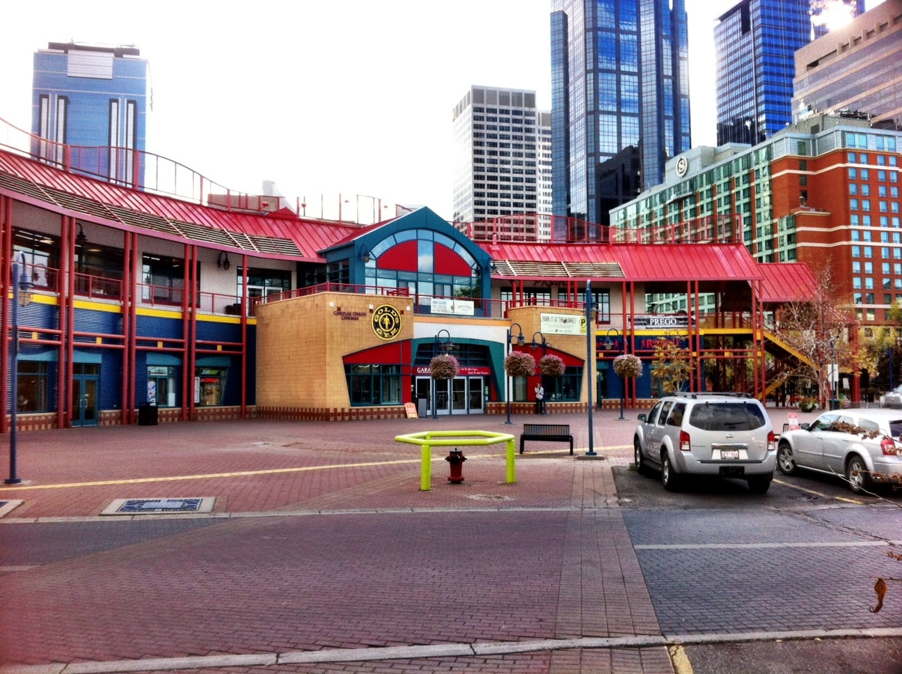 Eau Claire Market Square Calgary