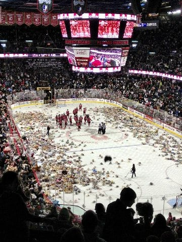 Hitmen Game Teddy Bear Toss