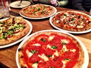 Famoso Pizza Westhills Calgary Alberta