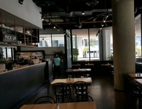 holy grill downtown calgary interior (280x216)