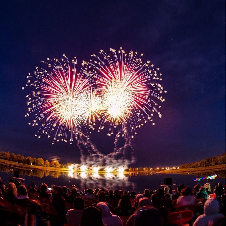j&J photography elliston park calgary globalfest fireworks