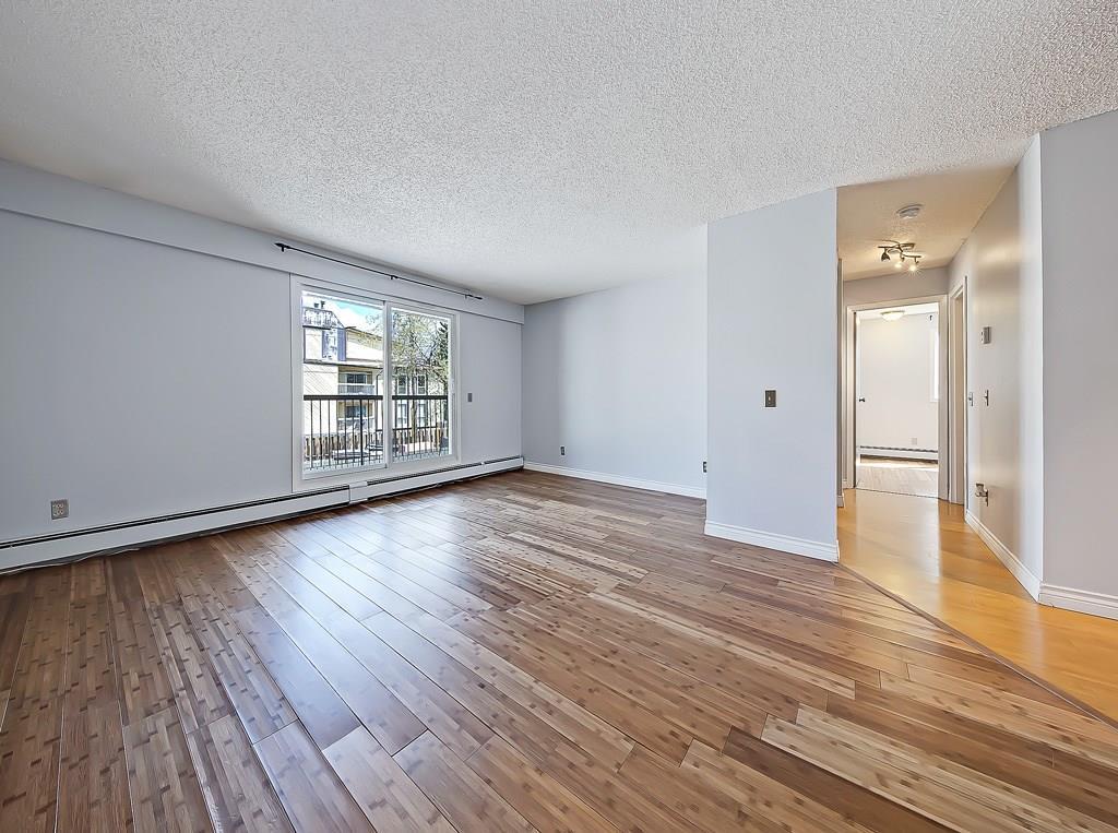 234 5th avenue ne living area