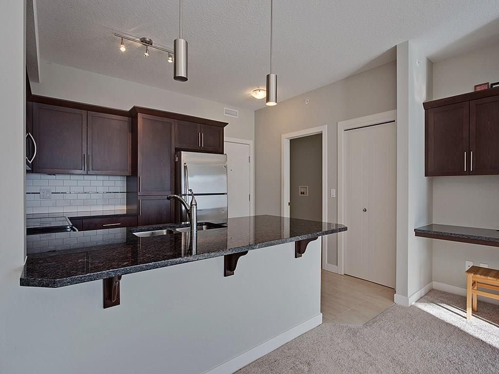 red haus royal oak condo for sale kitchen entrance