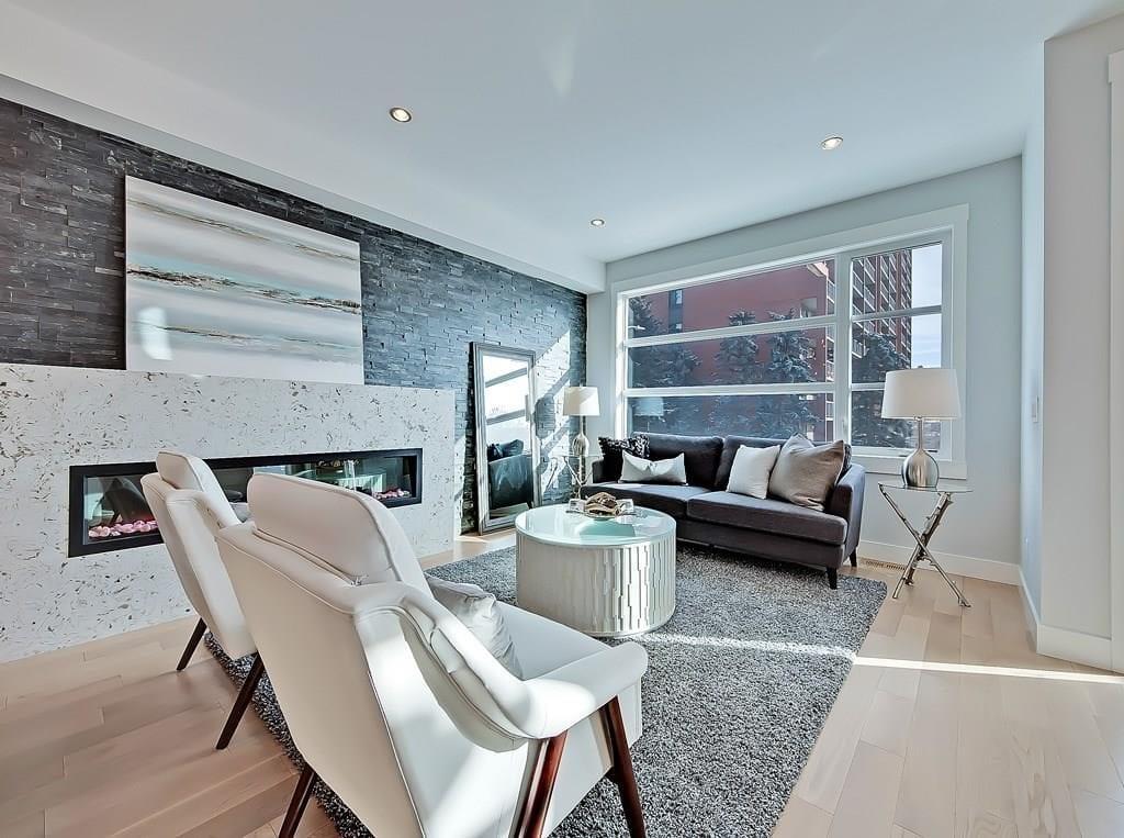 elboya home for sale 4625 stanley road sw living room
