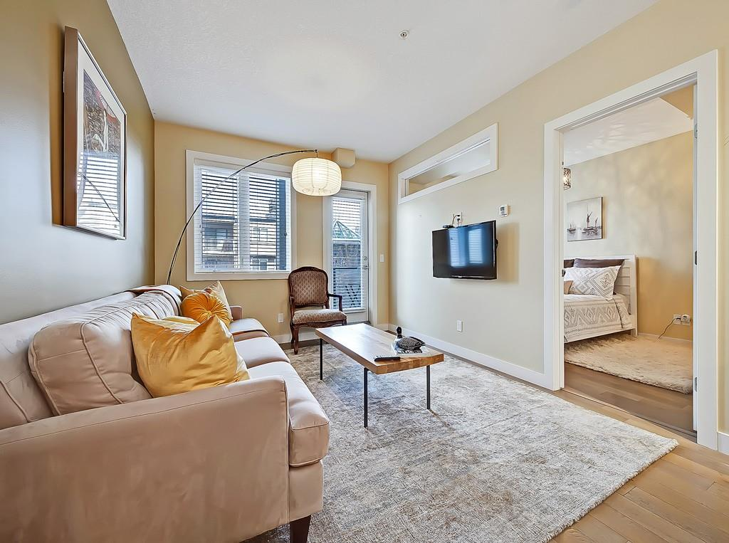 uno condo for sale lower mount royal living room