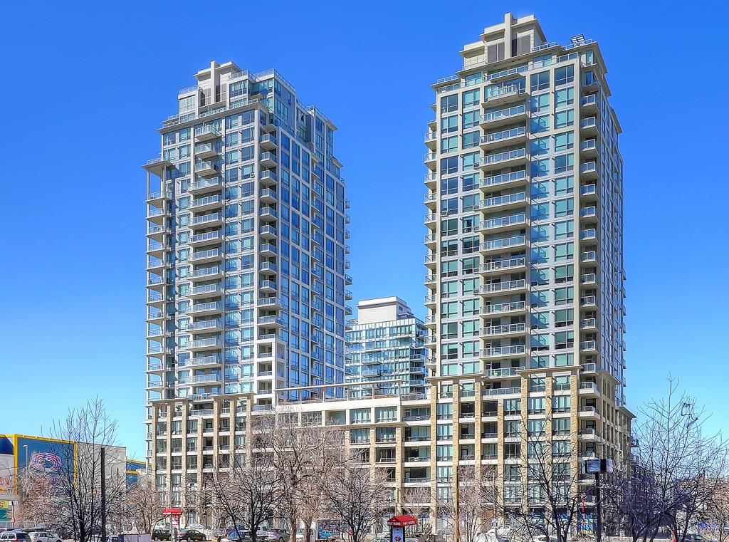 waterfront condos in calgary towers I and II